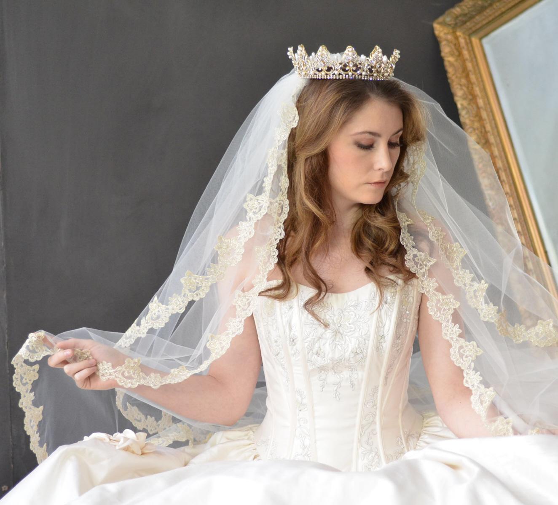 Royal Elena Designs Wedding Veils