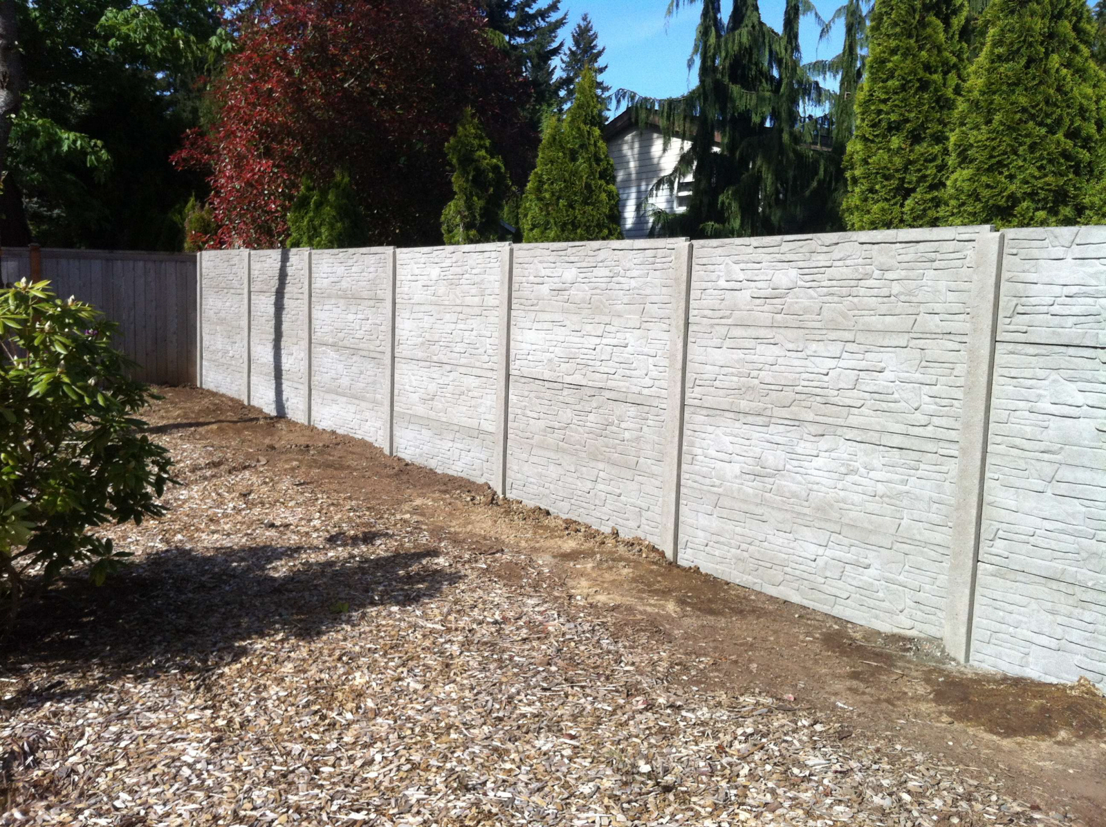 Precast Concrete Fencing : Opinions or info on precast concrete panel fence